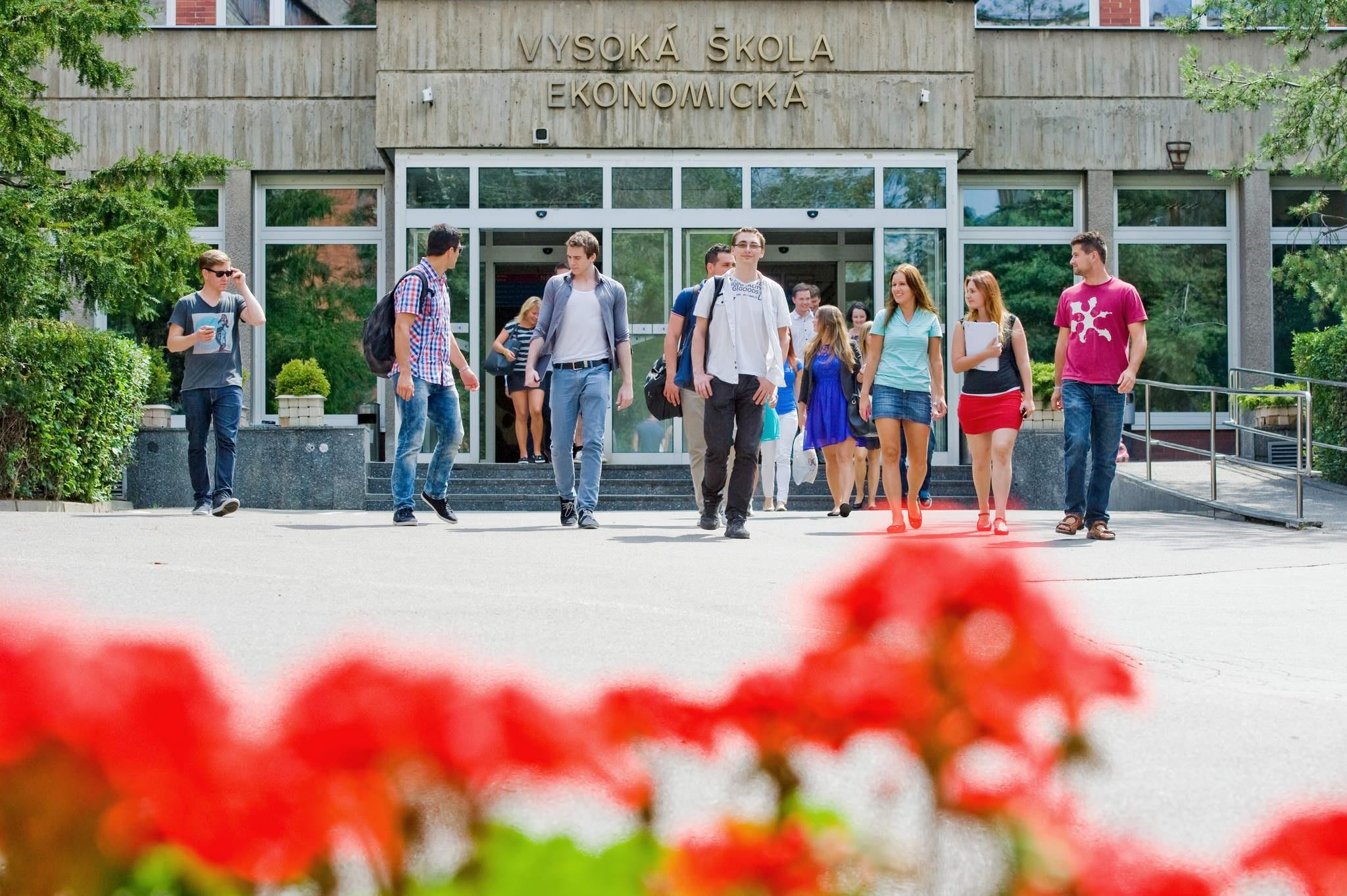 Vstup studentů do areálu VŠE na Žižkově od 17. května 2021